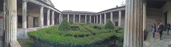 Pompeii-@fouriefamcam