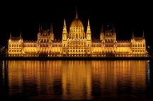 budapest-hungary-parliament-building
